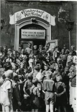 Polnische Kinder besuchen das Kinderdorf Alt-Rehse Foto: Deutsches Historisches Museum